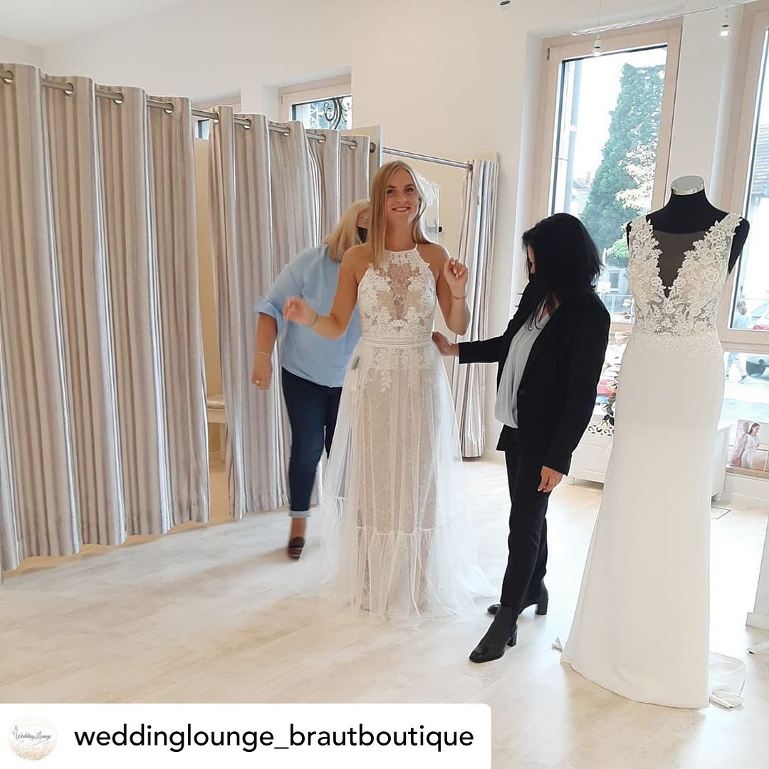 Thank you dear @weddinglounge_brautboutique for a successful meeting and pleasant cooperation ❤️  Posted @withregram • @weddinglounge_brautboutique